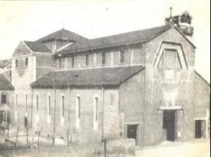 La chiesa negli anni Trenta. Fotografia archivio parrocchiale
